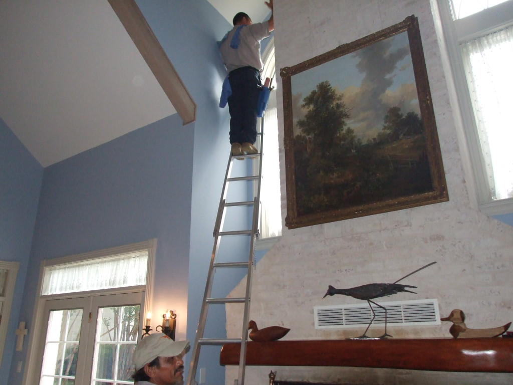 Capable of cleaning the more difficult areas of your home windows!