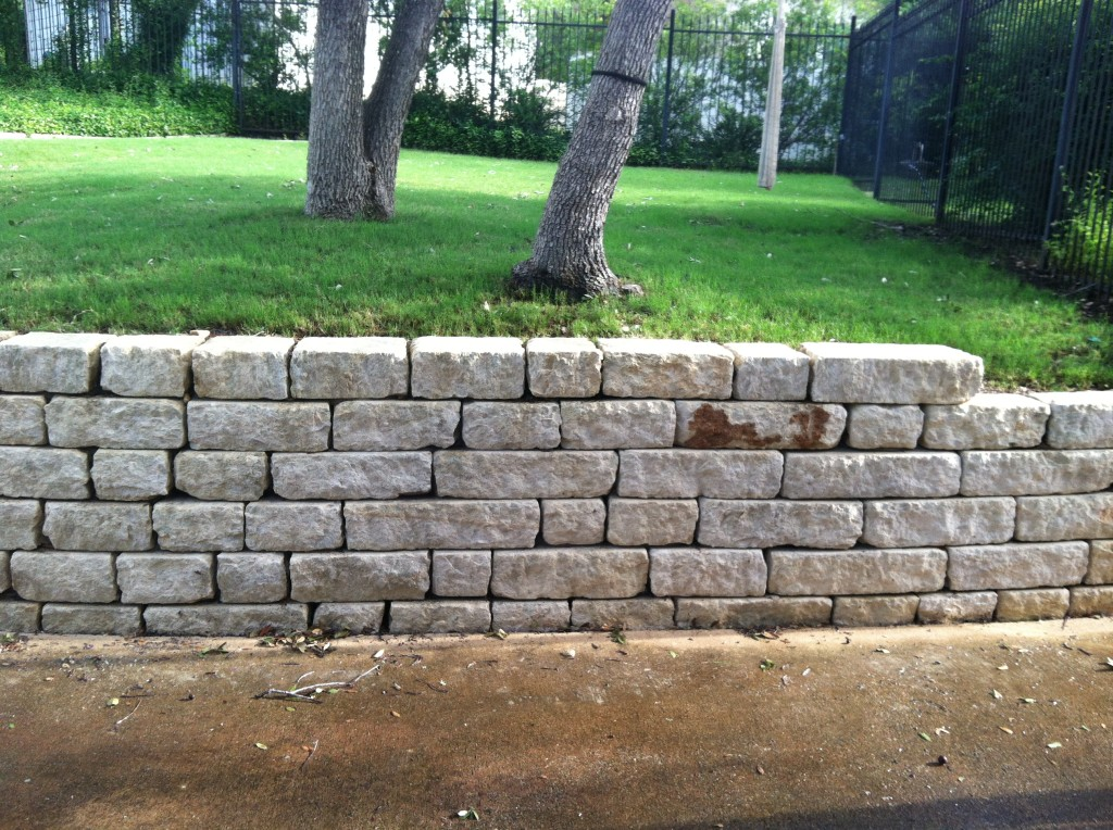 This stone wall looks fantastic after soft washing!